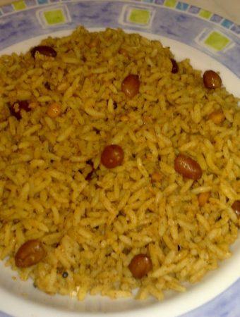 Puliyogarai OR Puliyodharai (Tamarind Rice)-Quick Iyengar Puliyodarai