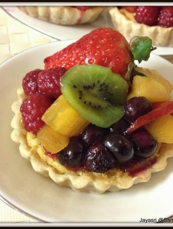 Eggless Mixed Fruit Tart with a surprise filling..